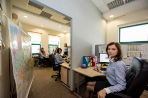 Dzięki call-center klienci mogą liczyć na łatwy i bardzo szybki kontakt z firmą.